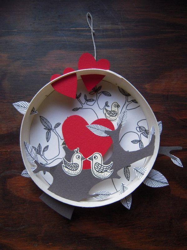 une boite à camenbert, un peu de papier, de la colle et du fil de - peinture bois et fer