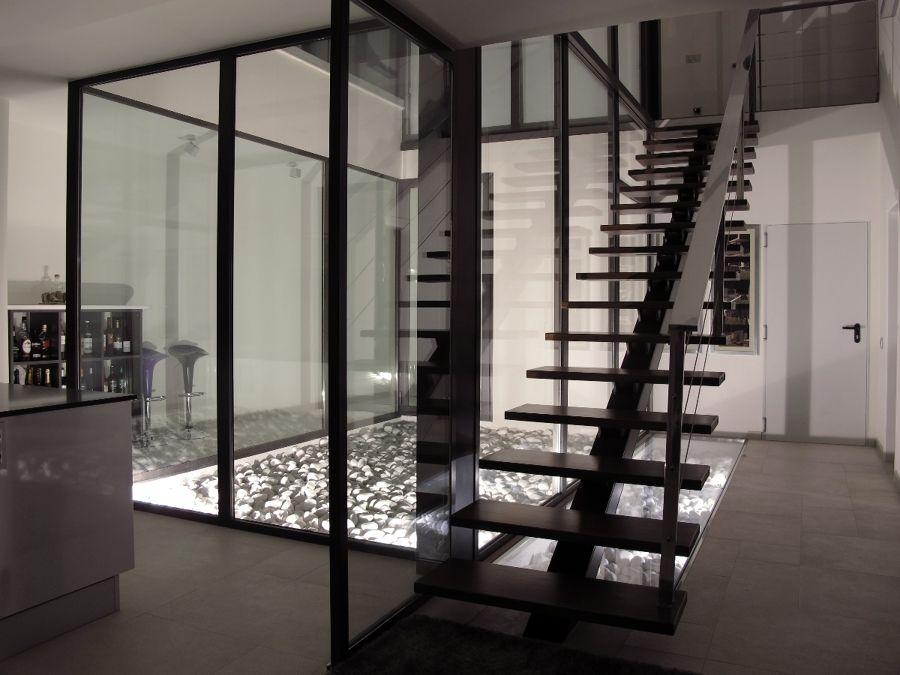 patio interior escalera
