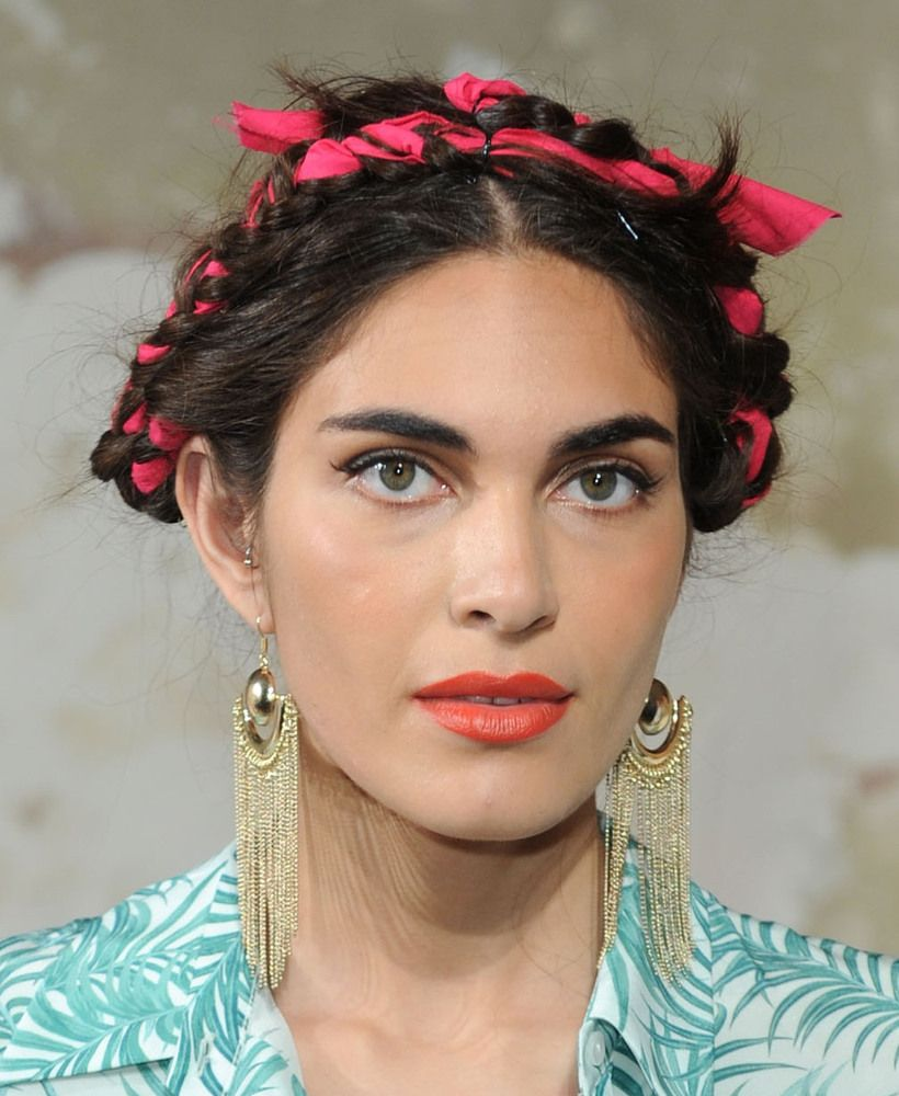 3 Ways To Wear Frida Kahlos Fabric Woven Braids PHOTOS