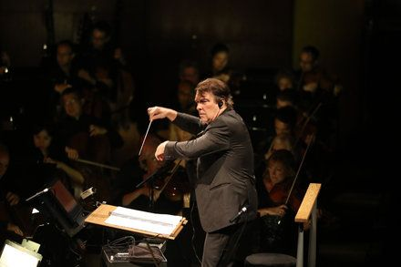Philharmonic Shines in Live Unison With Films as It Kicks Off 175th Season