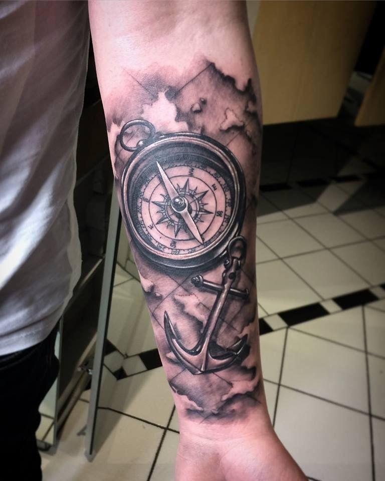 by dimon duda das tattoo wurde in einer sitzung gestochen auf dem unterarm ein kompass mit. Black Bedroom Furniture Sets. Home Design Ideas