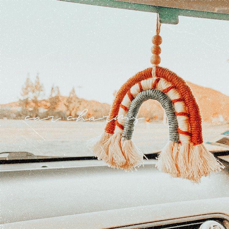 𝐞𝐝𝐢𝐭𝐞𝐝 𝐛𝐲 @𝐛𝐢𝐚𝐧𝐜𝐚𝐚𝐟𝐚𝐫𝐫𝐨 | Hippie car, Cute car accessories ...