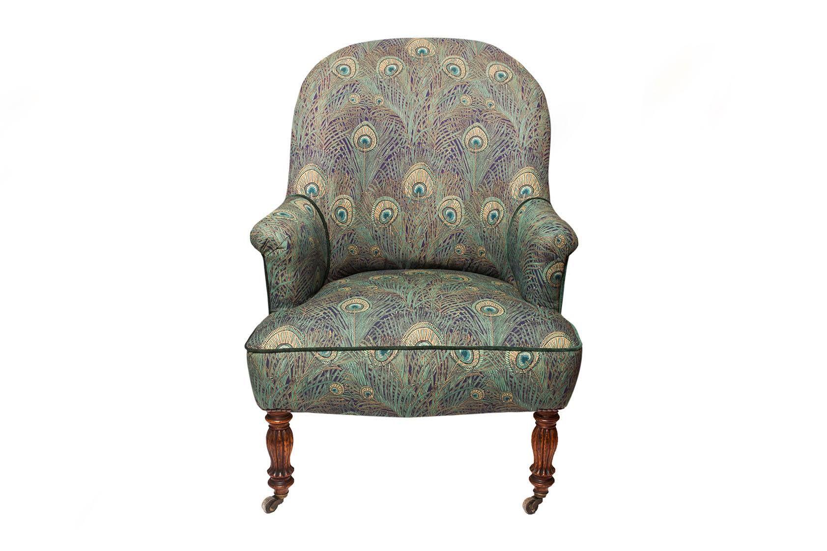 Peacock Armchair 1 0 Der Antike Sessel Wurde Liebevoll Restauriert Und Mit Hochwertigen Stoffen Im Peacock Muster Antike Sessel Englische Mobel Restaurieren
