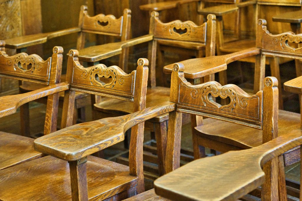 Desks in the Yugoslav Room – Cathedral of Learning, University of Pittsburgh, Forbes Avenue, Pittsburgh, Pennsylvania by Jonathan Cohen