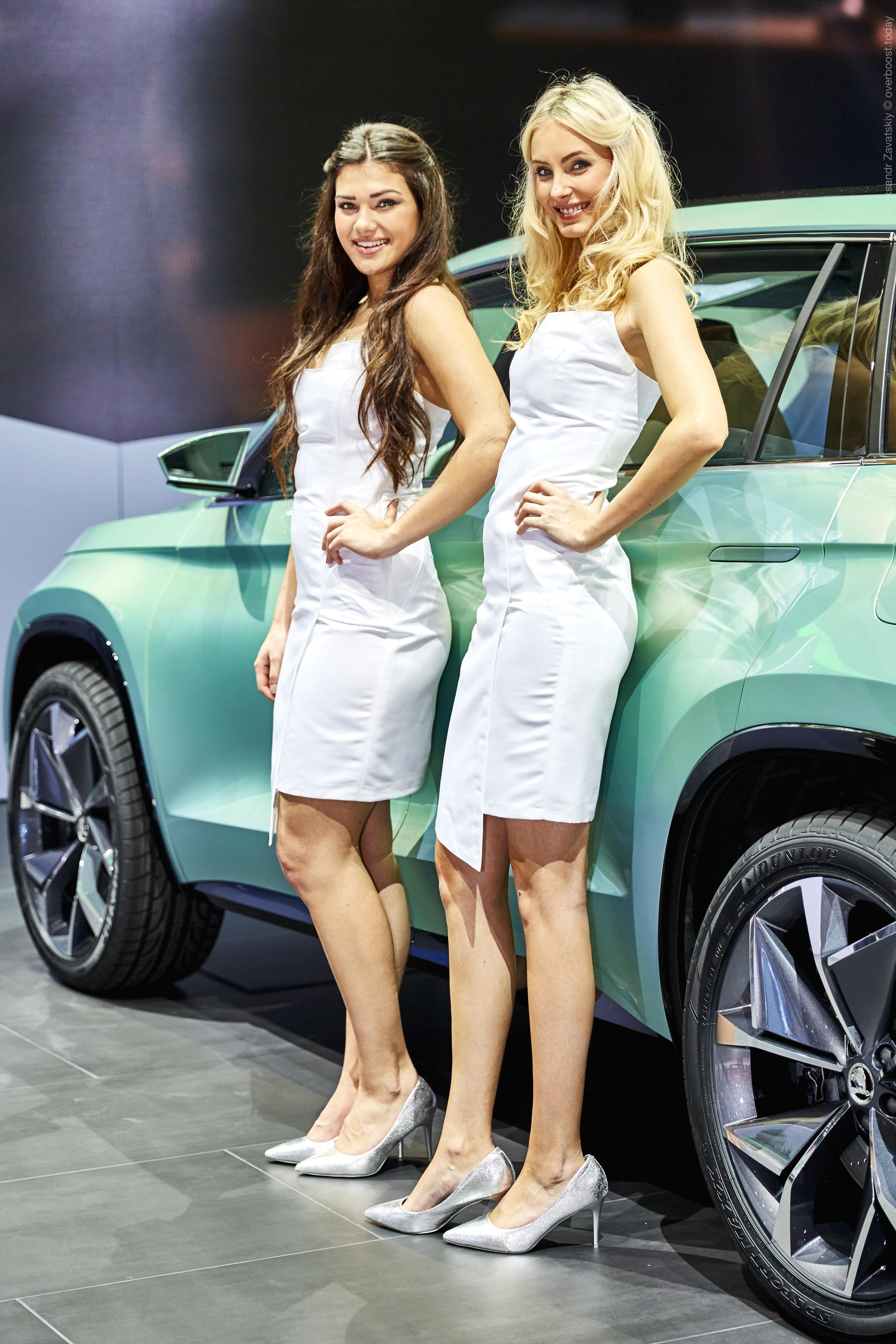 Девушки для работы в автосалонах маргарита петрусенко
