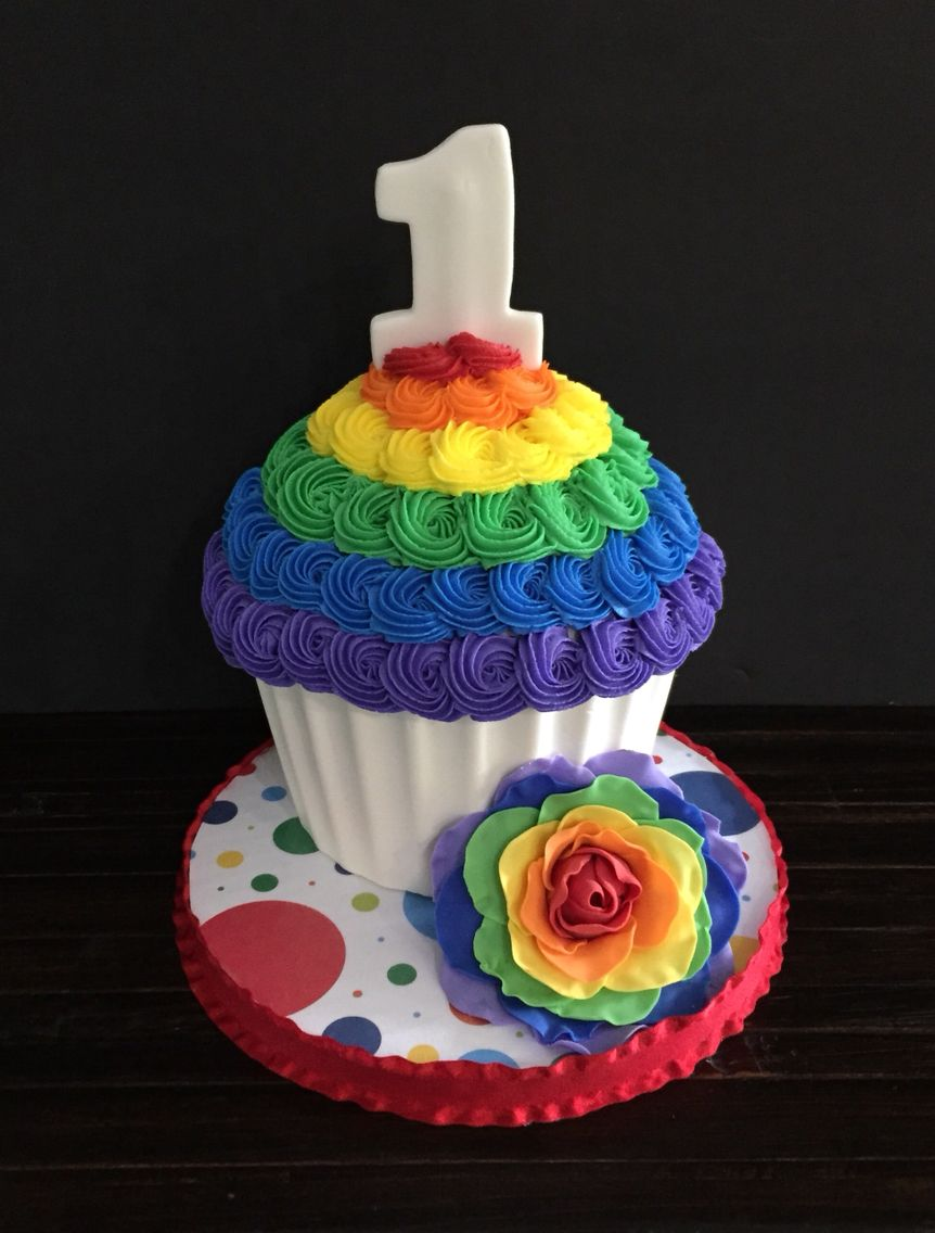 Rainbow smash cake Rainbow smash cakes, Rainbow first