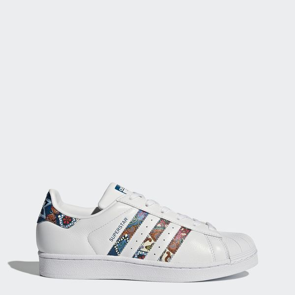 The shell toe travels to the tropics. The adidas Superstar