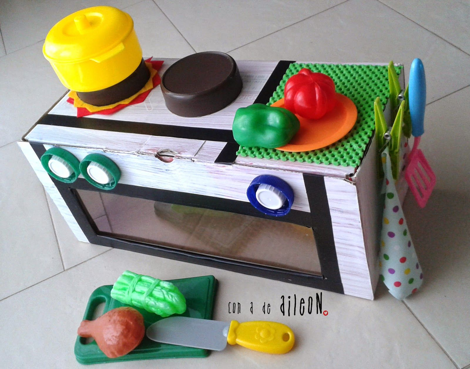 recycled kitchen diy kitchen children nios cocina reciclada juguete casero