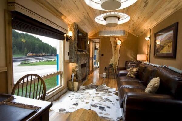 Convierten Un Vagón De Tren Abandonado En Una Preciosa Cabaña Vagones De Tren Casas Vagones Cabaña De Lujo
