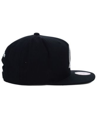 Mitchell & Ness Portland Trail Blazers Team Snapback Cap - Black Adjustable