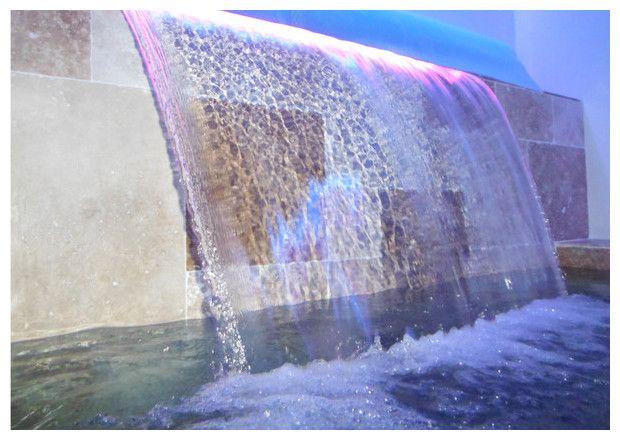 cascade piscine avec LED Piscine Pinterest