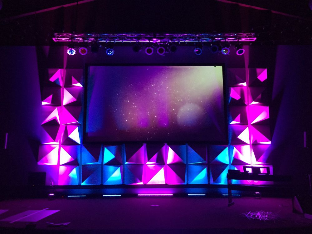 energy shapes from austin christian fellowship acfstudents in austin tx church stage design - Church Stage Design Ideas For Cheap