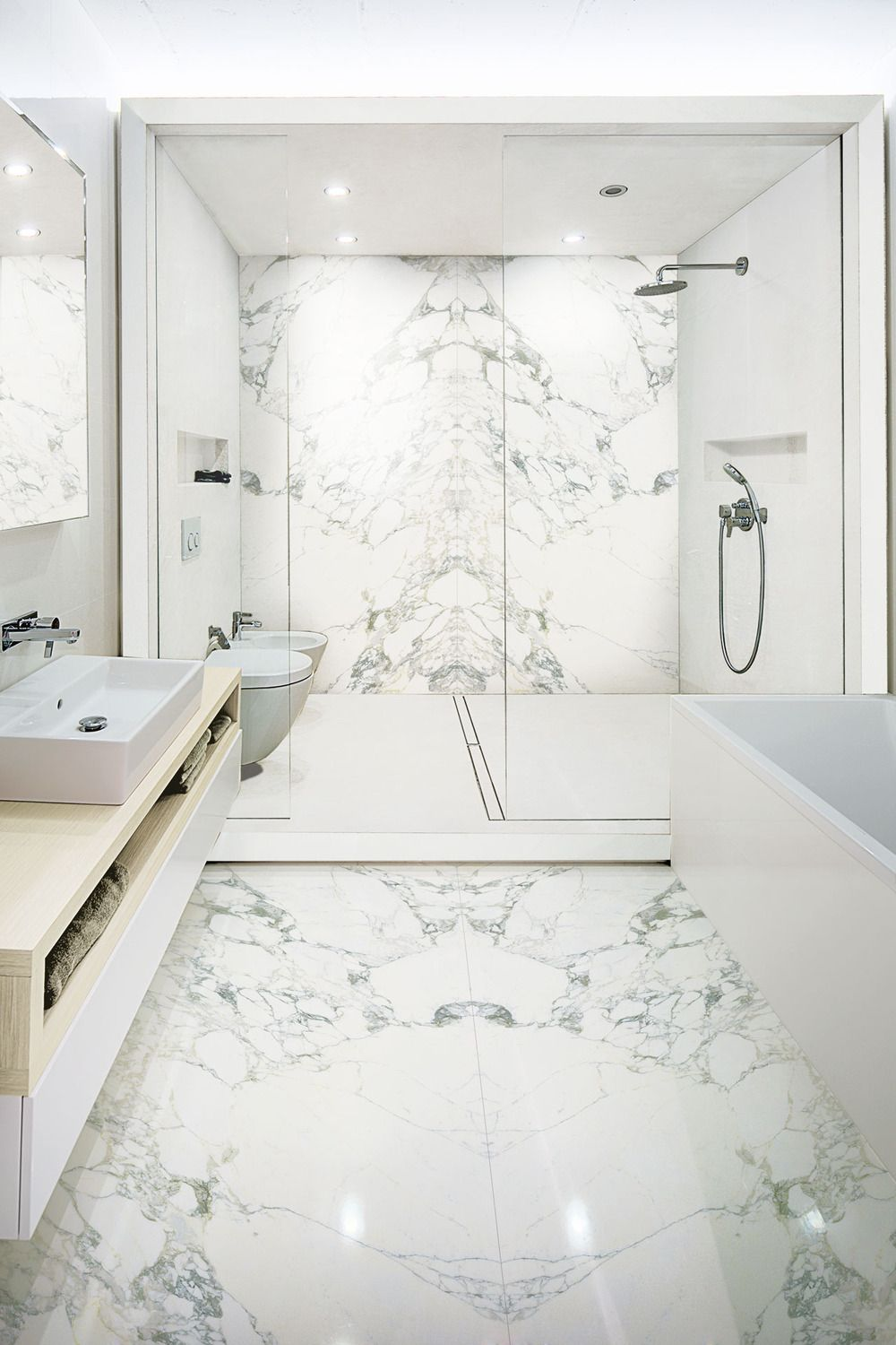 Arabescato | Porcelain Tile | Marble Look | Slab | Floor and Wall ...