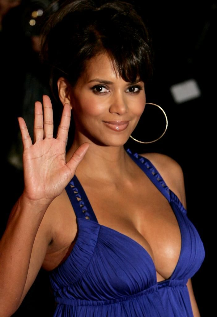 Halle's wave | Halle Berry | Pinterest | Halle berry and Halle