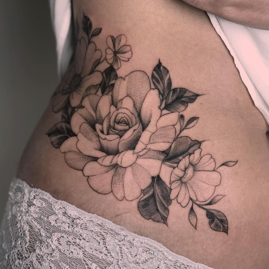 Traço Fino A Tatuagem No Estilo Fineline Tatuagens Na