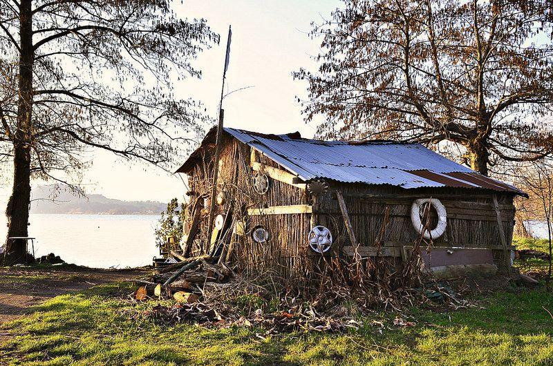 capanna in riva al lago #lagodibolsena #tuscia #lazio #Viterbo