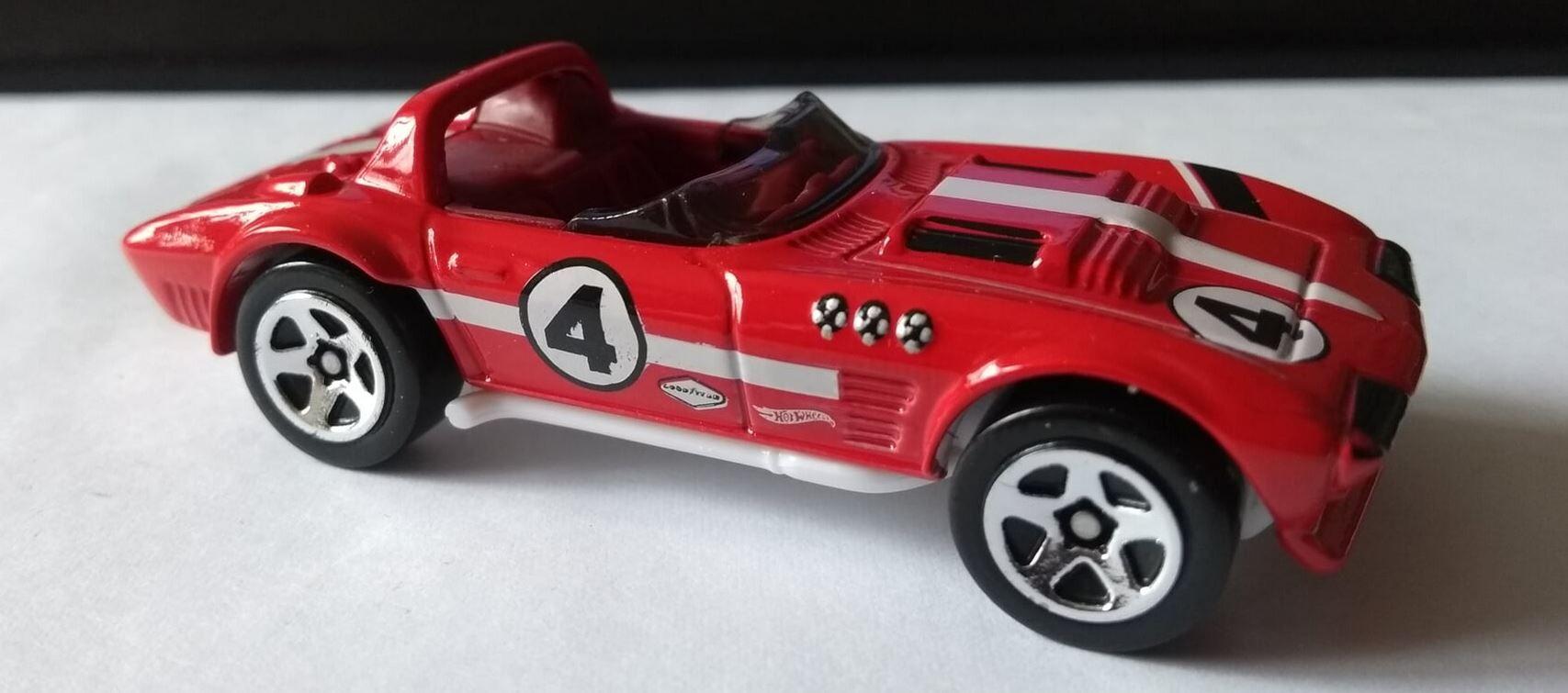 Hot Wheels Corvette Grand Sport Roadster red
