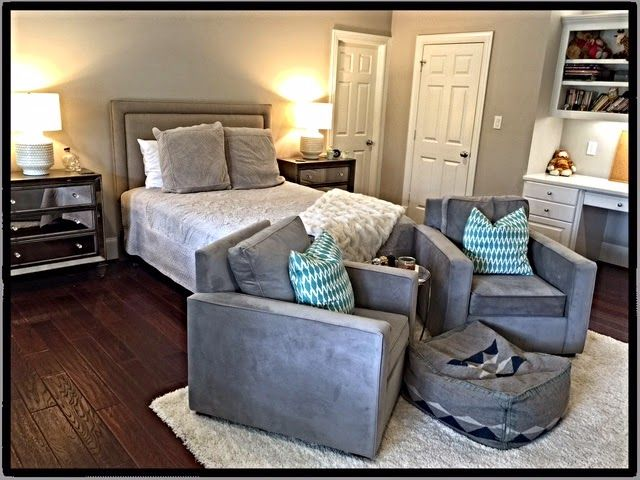 One of the after photos of my daughters remodel of her bedroom in Houston. She did a fantastic job but you can read more on my Blog No Fixed Abode 4 Sue