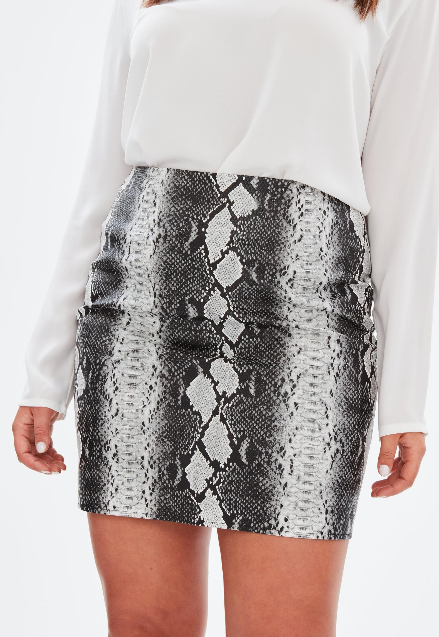 16d8cf2ce0a6 Curve Grey Snake Print Faux Leather Skirt | Missguided | Outfit ...