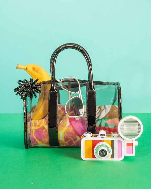 Let it all show with a transparent beach bag!
