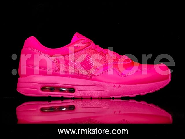 on sale 2814f 7e005 Nike Air Maxim 1 Air Attack Pack Vivid Pink