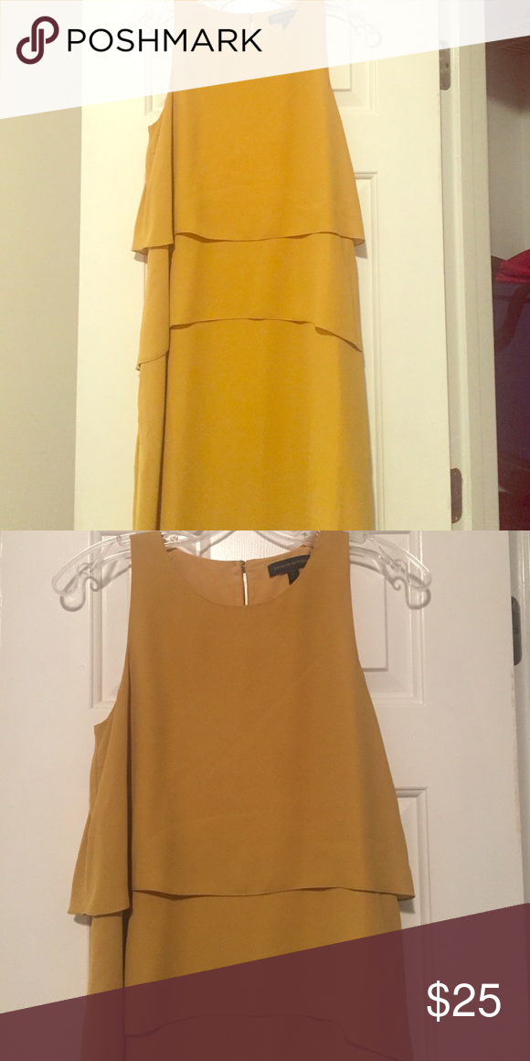 Banana Republic Yellow Dress Size 2, Tall. Banana Republic dress,  gold Banana Republic Dresses Midi