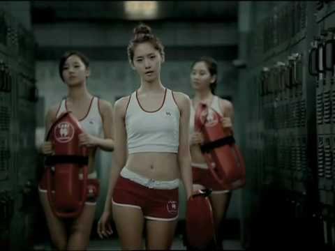 GIRLS' GENERATION 少女時代_PAPARAZZI_Music Video - YouTube