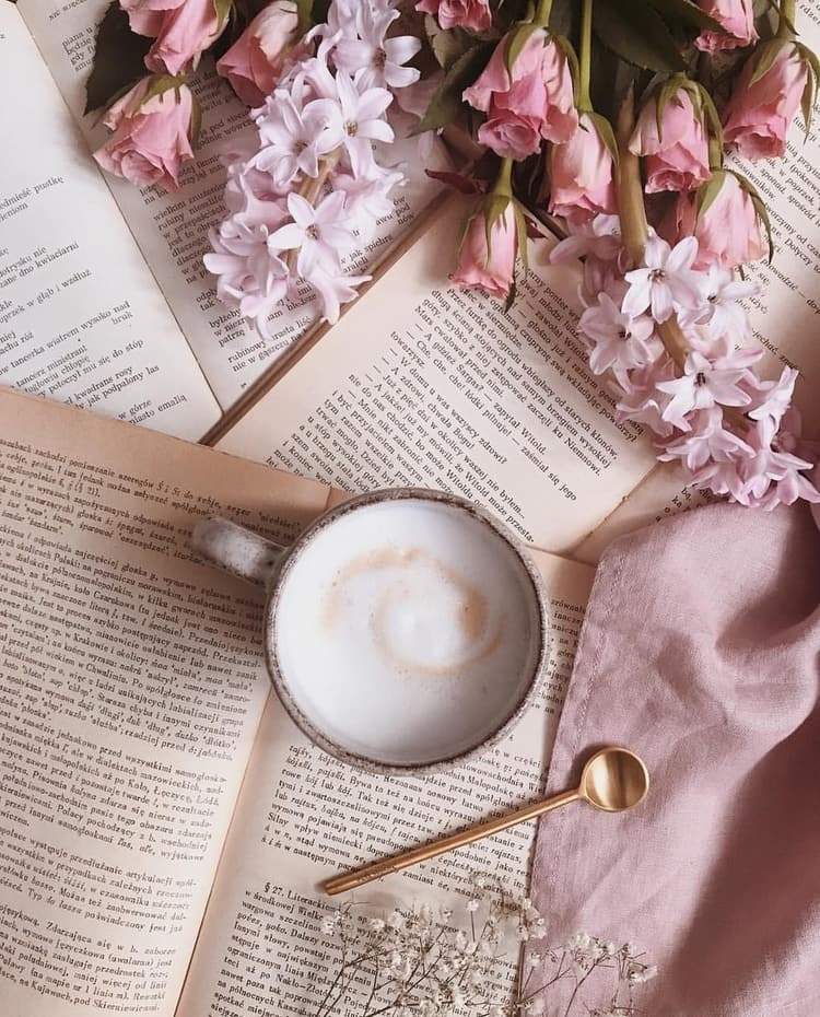 Coffee Time Pink Flowers En Book Book Flowers Coffee And Books Flat Lay Photography