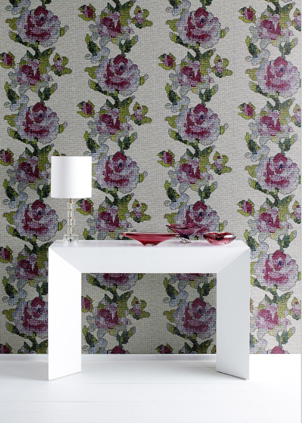 papier peint fleuri tapestry rose multi graham and brown marie claire maison