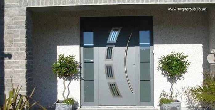 Moderna puerta principal de aluminio chuy proyecto for Puertas de aluminio modernas