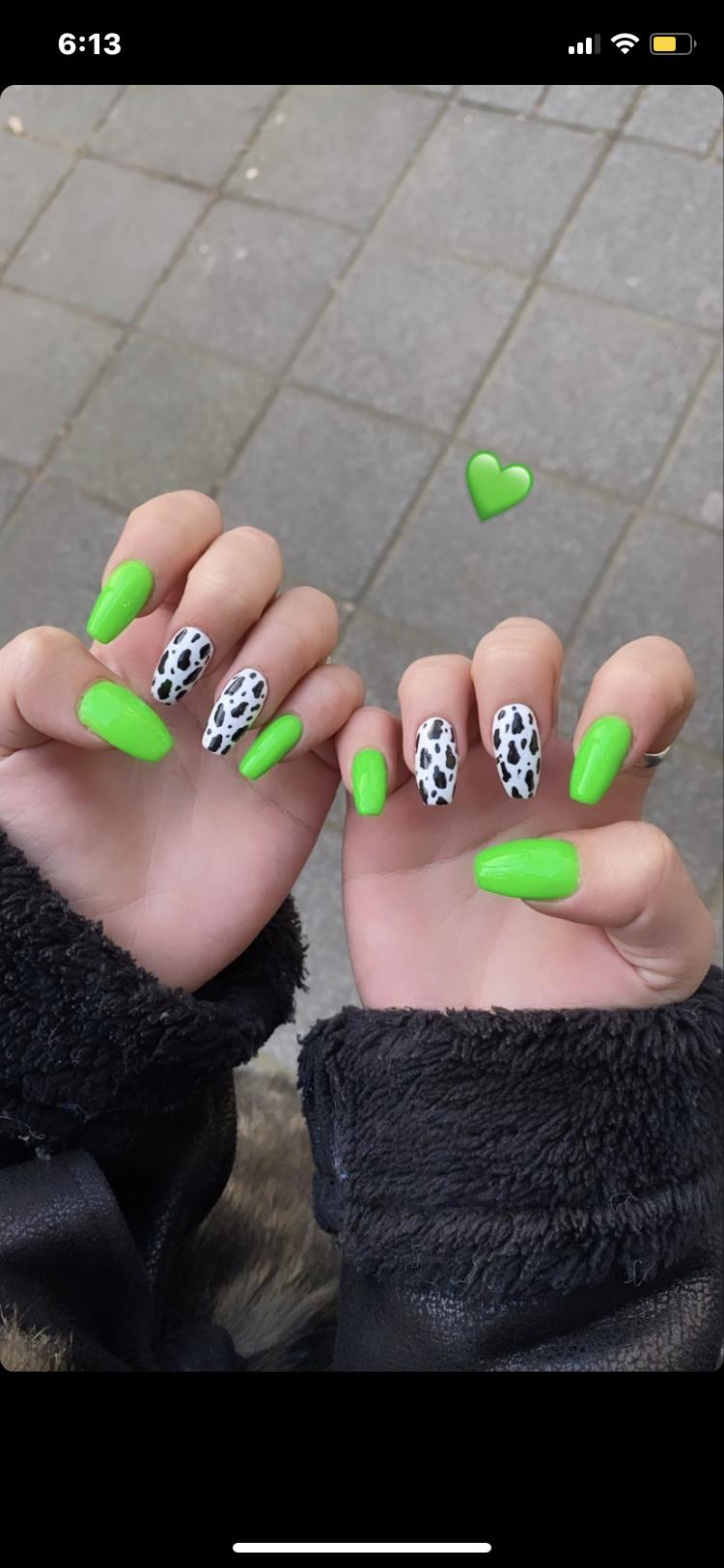 Neon Cow Nails En 2020 Unas Postizas De Gel Hacer Unas De Gel Manicura De Unas
