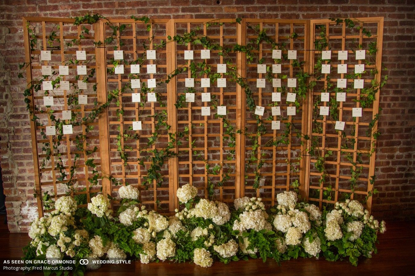 Photos Of A Real Wedding At The Liberty Warehouse In Brooklyn New York Liberty Warehouse Seating Chart Wedding Wedding