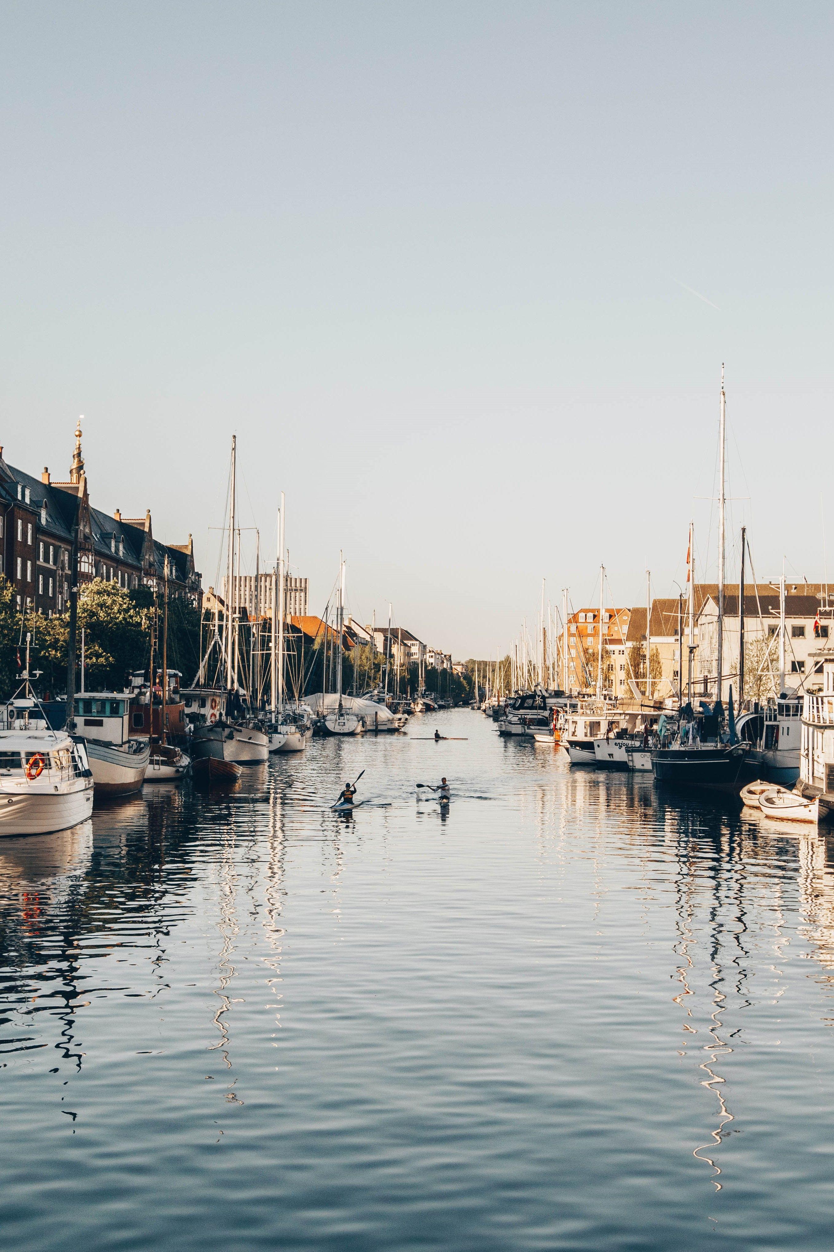 Danemarks Gemutliche Hauptstadt Hat So Einiges Zu Bieten Modernes Design Einzigartige Architektur Kulinarik Und Zahlreiche In 2020 Reiseziele Danemark Urlaub Reisen