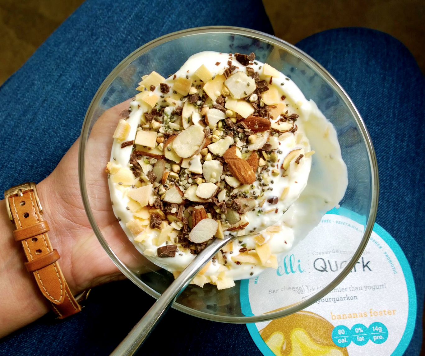 Elli Quark BANANAS FOSTER fueling the day with a healthy mix of sliced almonds, chia-buckwheat-hemp cereal, toasted coconut chips, & stevia-sweetened chocolate! (21g protein with no added sugar!) ;) #eatclean