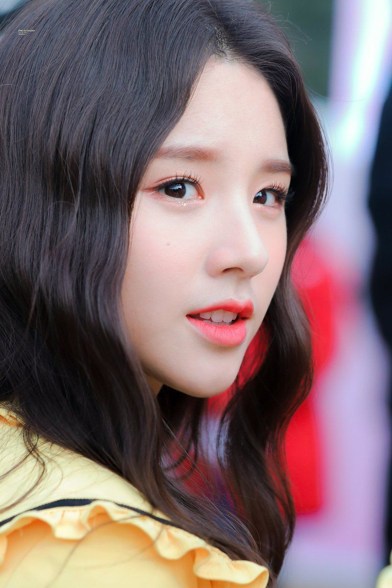 Loona Pics Loonasgallery Twitter Kpop Girls Best Face Products Girl