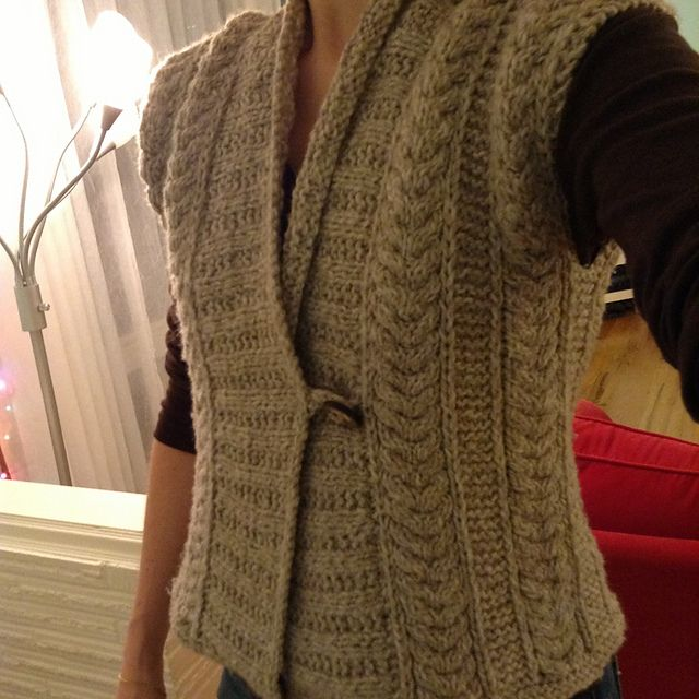 Eco Vest - by Katie Himmelberg - Bulky (US10.5 6.5mm) unstructured vest  with great cables - project gallery e60081652884
