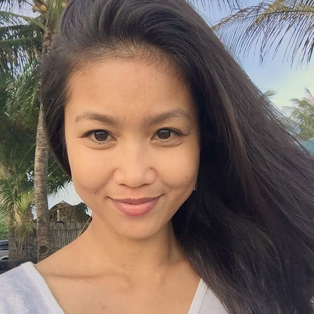 YOUNG SWEETHEART FILIPINA - Selfies Taken Moments Before Death