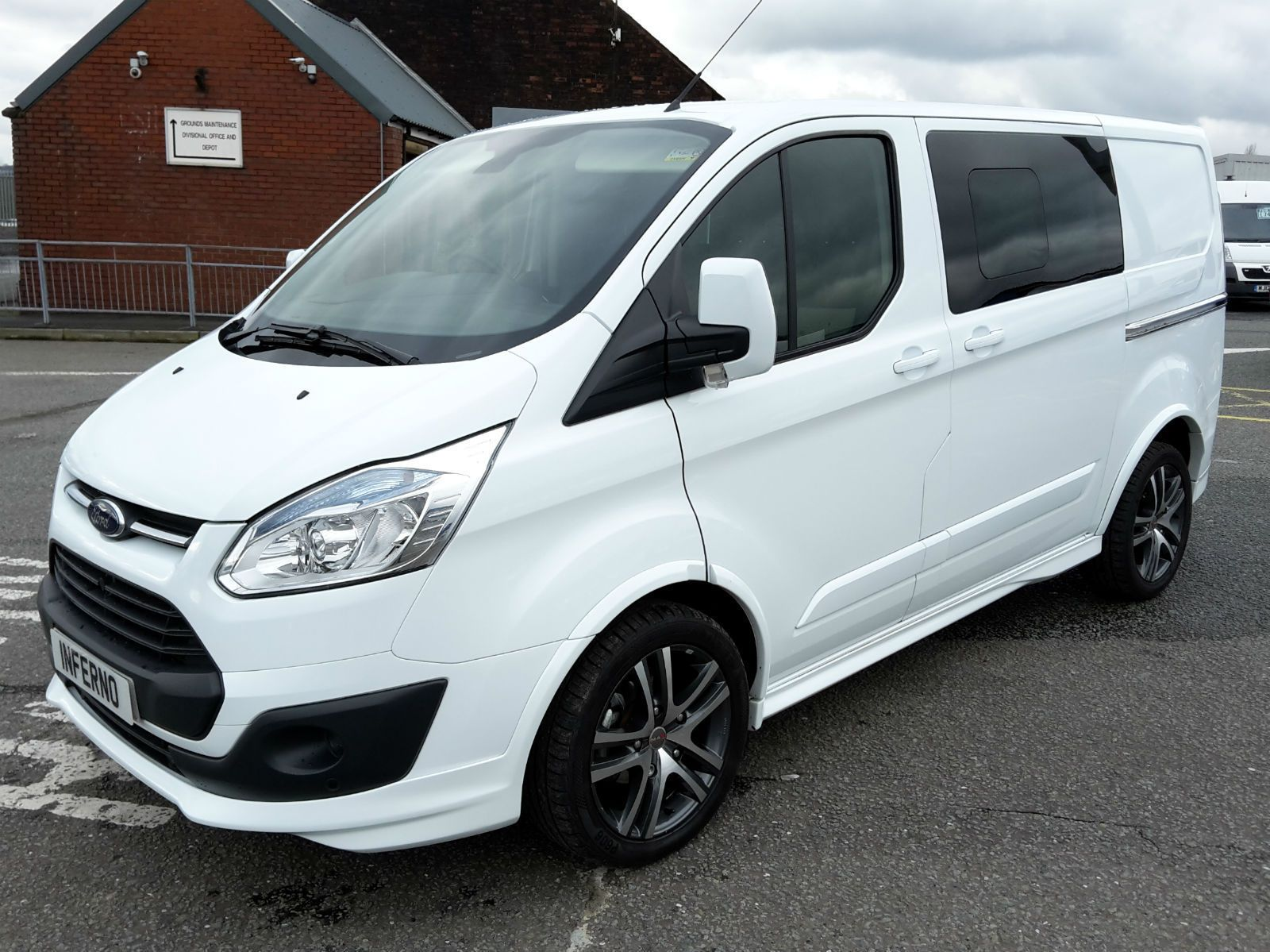 Ford Transit Custom Limited 2 2tdci 125ps Double Cab In Van Transit Custom Ford Transit Car Wheel Cover