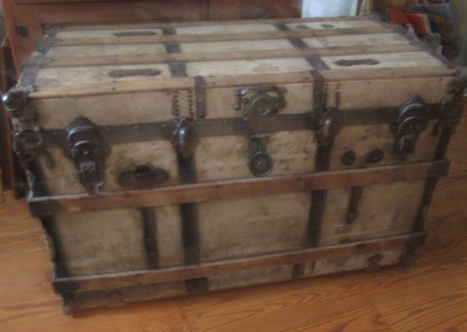 Vintage Old Trunk Large Wood Canvas Antique Storage 1800 S Chest Treasure