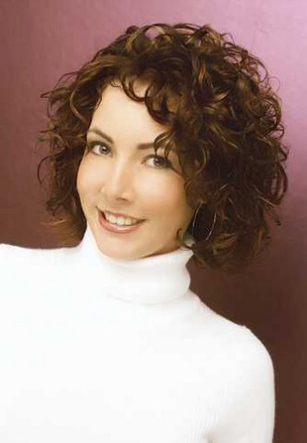 20 Hairstyles For Curly Frizzy Hair Womens Medium Length Curly