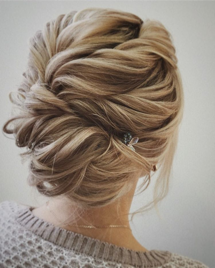 Easy And Pretty Chignon Buns Hairstyles Youll Love To Try Quick