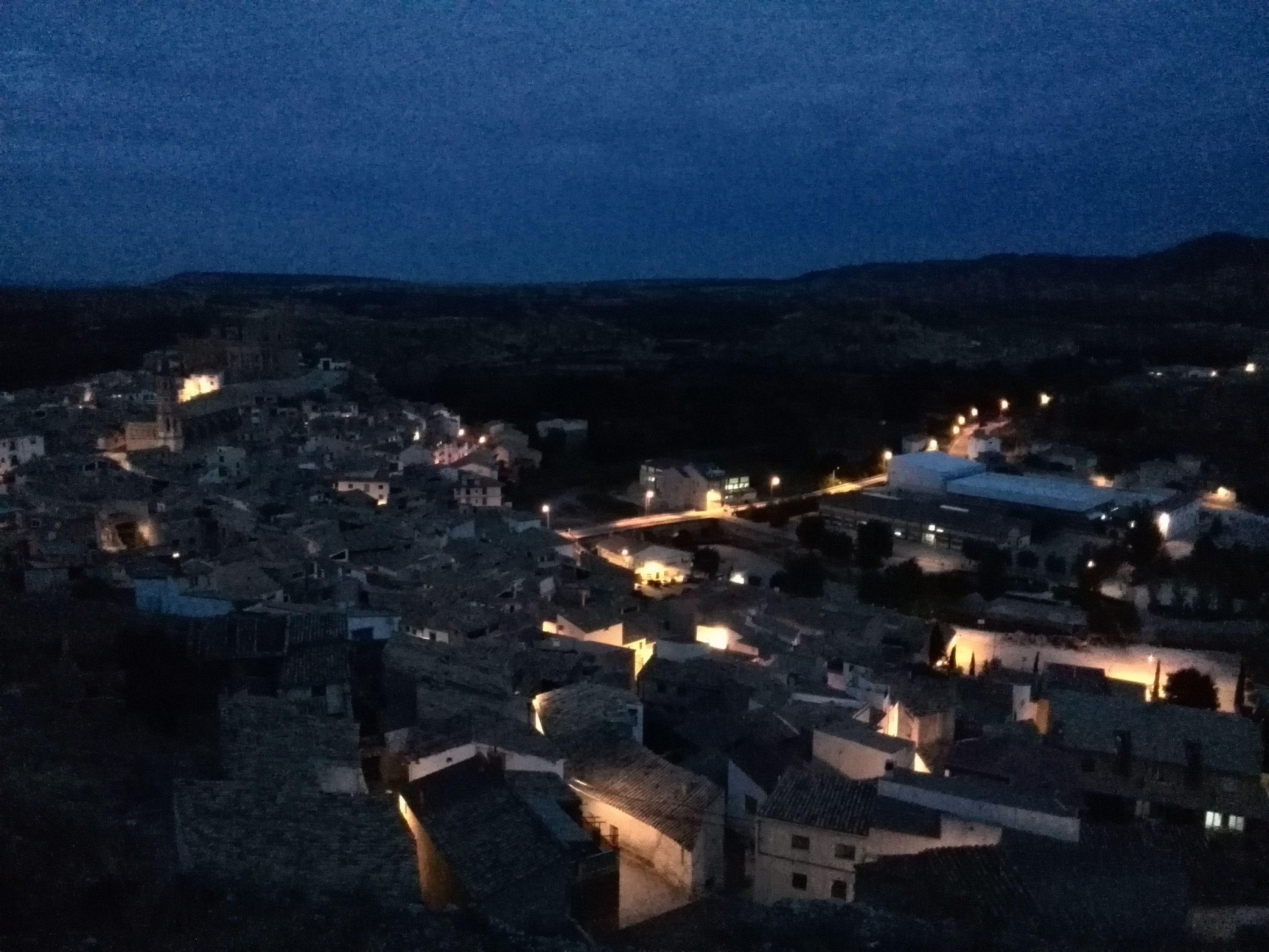 Atardecer en Albalate del Arzobispo, Teruel. http://www.ebroverde.es/bajo-martin/