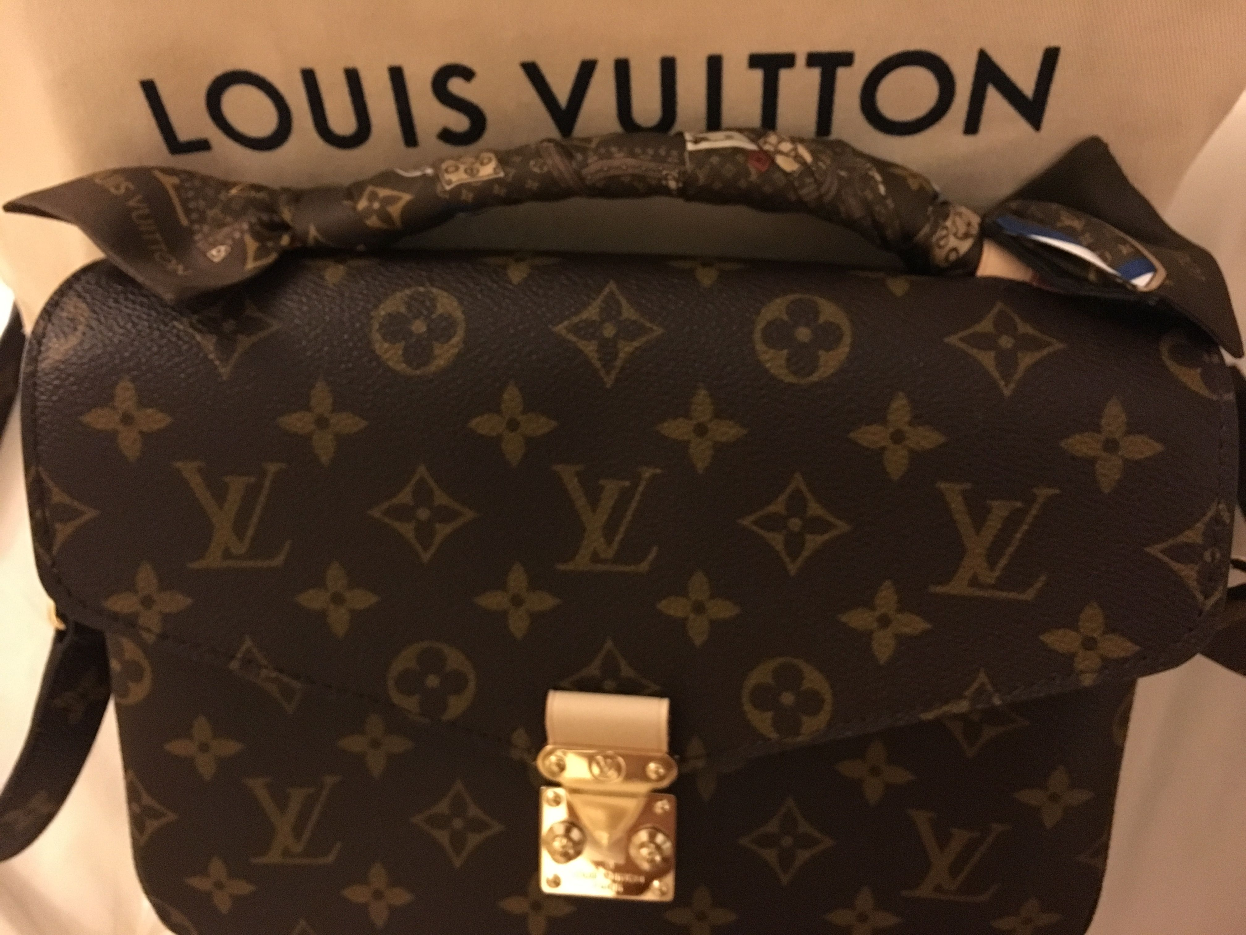 louis vuitton pochette metis with bandeau wrapped handle