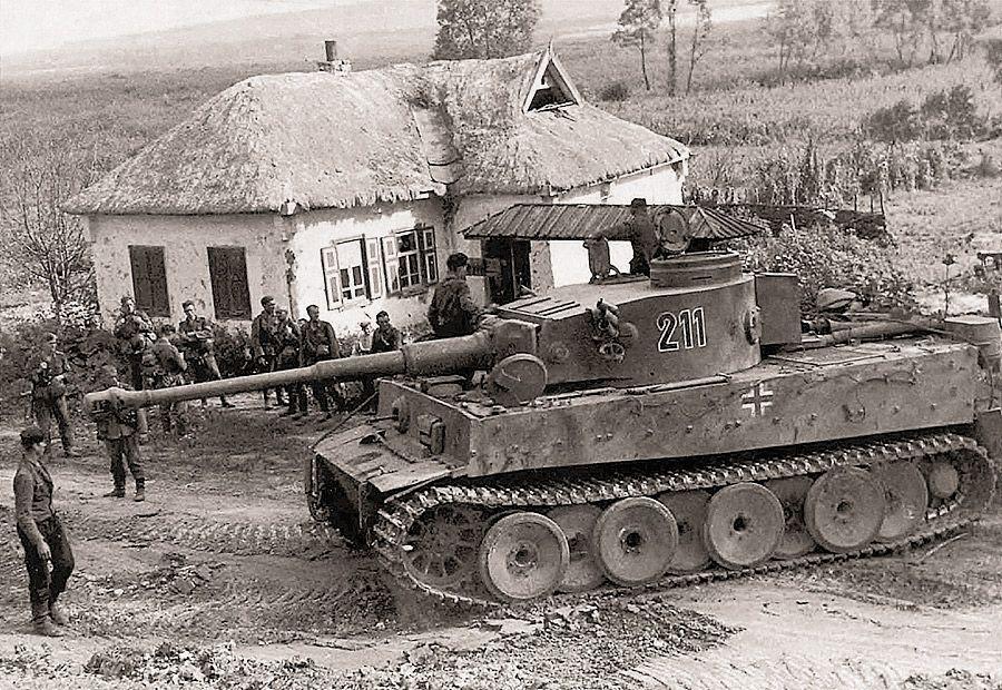 «Тигр» с бортовым № 211 из состава 503-го танкового ...