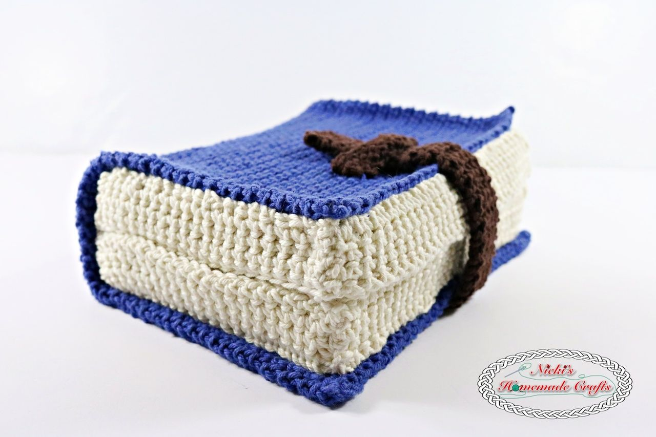 Book Cover - Free Crochet Pattern   Patrón de ganchillo, Carpeta y Chal
