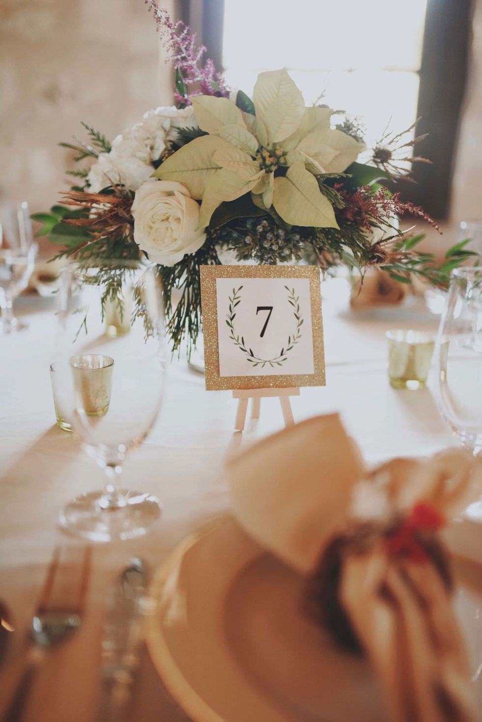 20 Christmas Flowers To Add To Your Wishlist This Year In 2020 Winter Wedding Flowers Rustic Wedding Centerpieces Christmas Flowers
