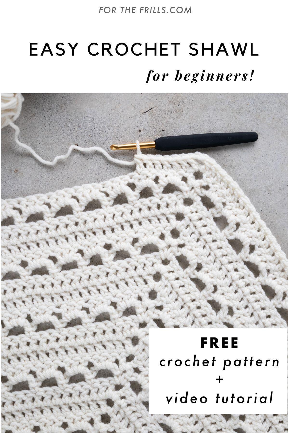 Free Pattern Easy Lace Crochet Wrap Video Tutorial In 2020 Hakelschal Einfach Einfache Hakelmuster Dreieckstuch Stricken Anleitung Kostenlos