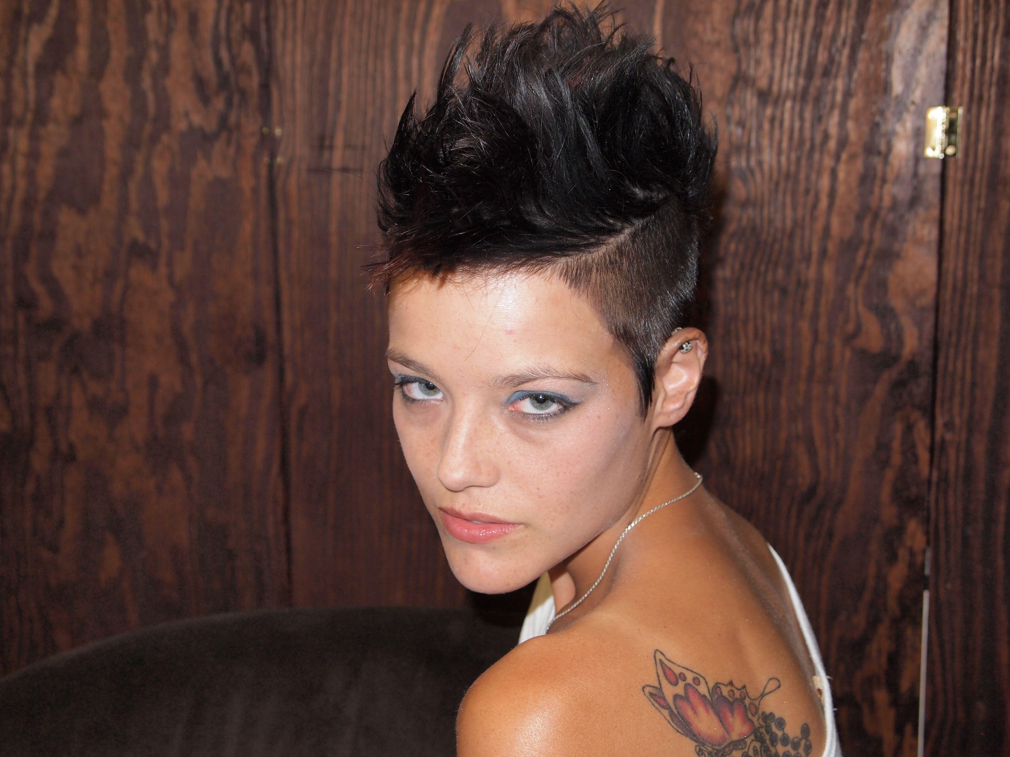 Mohawk girl mohawk for the woman pinterest hair hair styles