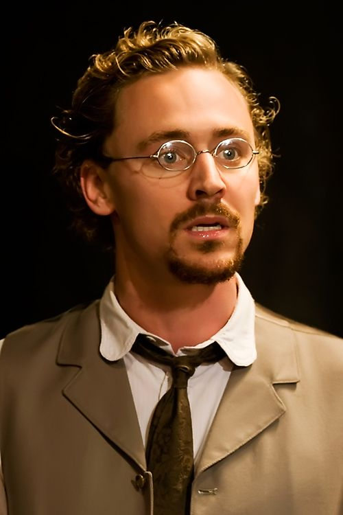 Tom Hiddleston as Lvov in Ivanov ( by Anton Chekhov) 2008. Full size [UHQ]: http://i.imgbox.com/bVCcoHha.jpg Source: Torrilla