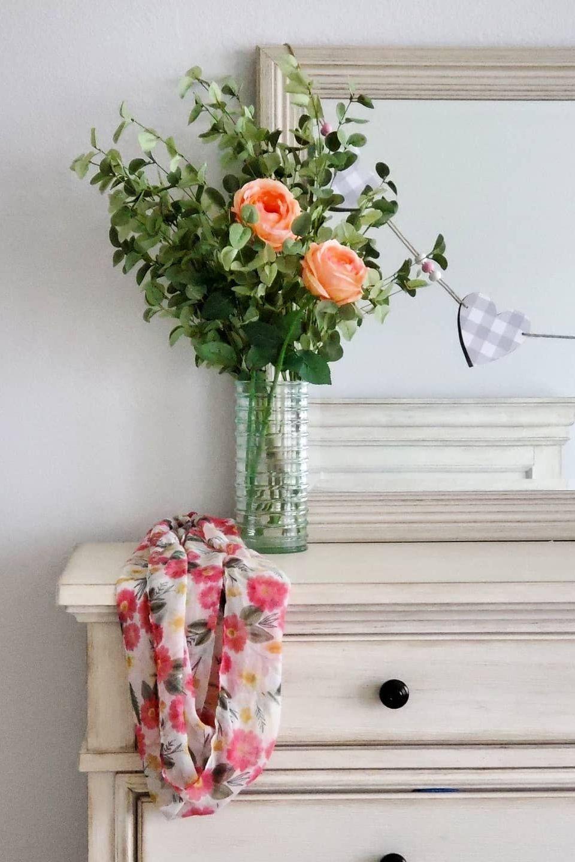 Create a stunning yet simple diy flower arrangement for